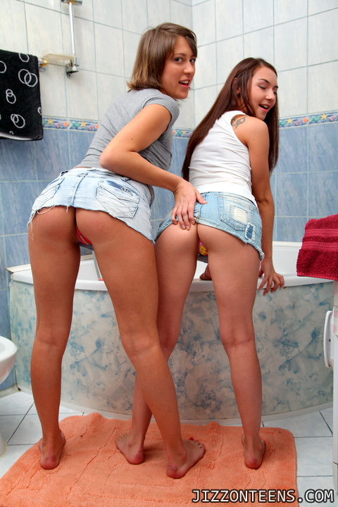 молодые жарят в ванной фото порно